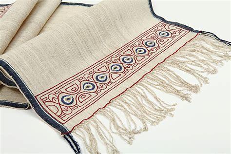 comment desodoriser un tapis comment accrocher un tapis mural pratique fr