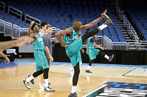 Virginia and UNC Wilmington basketball practices ...