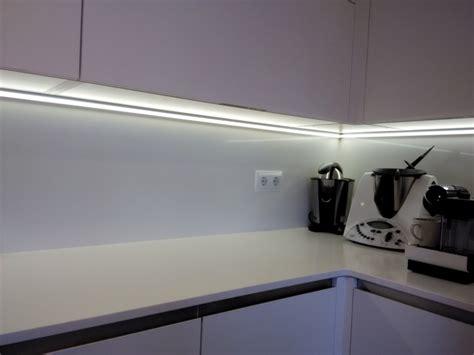 iluminacion muebles de cocina diseno parras