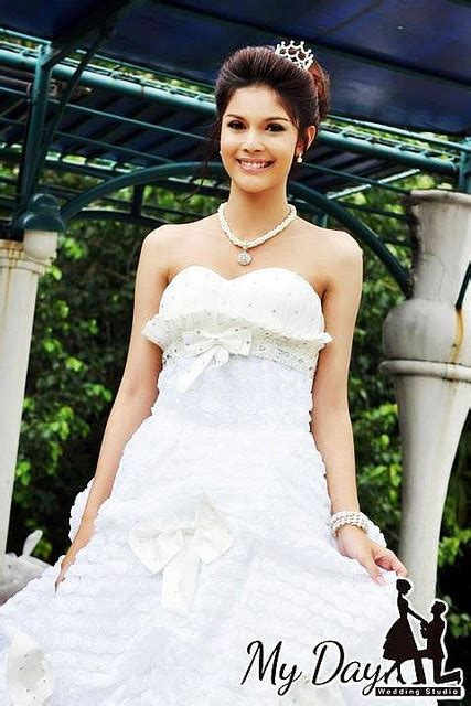 beautiful asian transsexual bride
