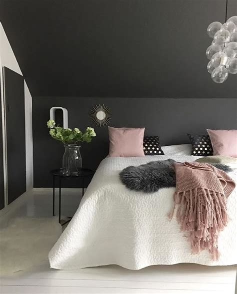 Cheap Bedroom Ls by 25 Best Ideas About Black Bedrooms On Black