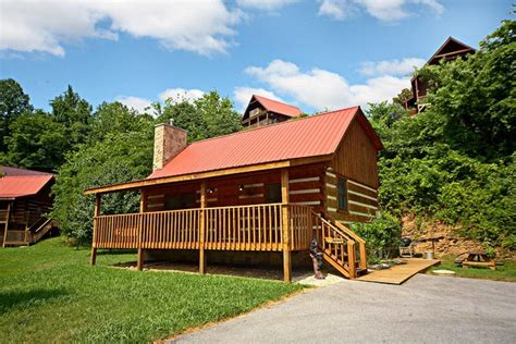cabins in sevierville tn pet friendly sevierville tn cabin that away