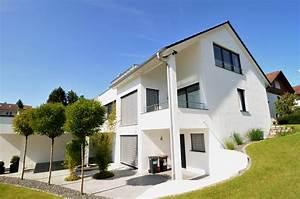 Einfamilienhaus Hanglage Planen : einfamilienhaus mit einliegerwohnung im keller ~ Lizthompson.info Haus und Dekorationen