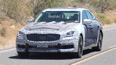 2019 Kia K900 Spy Photos Show Off A Stingerinspired Design