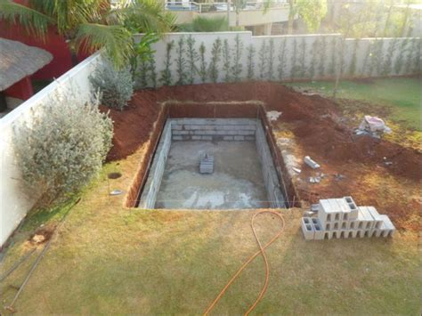 how can you build a pool to your house diy swimming pool conversion 26 pics izismile com