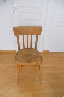 relooker chaise en bois diy déco pour relooker une chaise en bois l 39 agenda de la nantaise