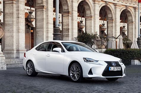 luxury lexus 2017 2017 lexus is300h luxury review autocar
