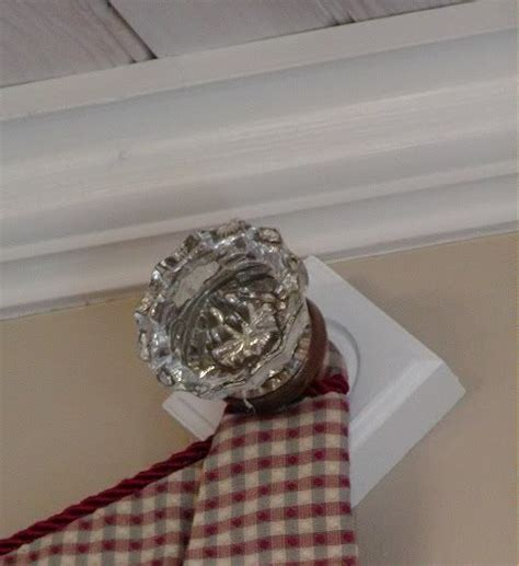 hanging curtains from knobs
