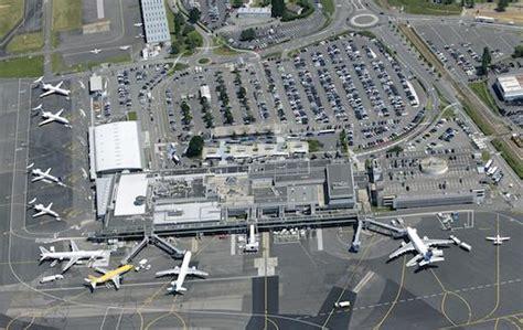 chambre de commerce nazaire vinci prend le contrôle de l aéroport de nantes présent