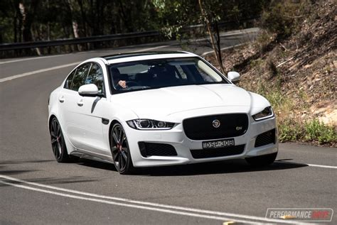 2018 Jaguar Xe S Review (video) Performancedrive