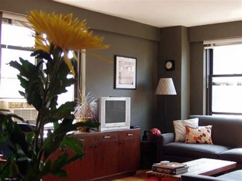 [real Homes] Dark Green-gray Living Room