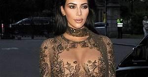 kim kardashian seins nus sous sa robe en dentelle pour le With nu sous sa robe
