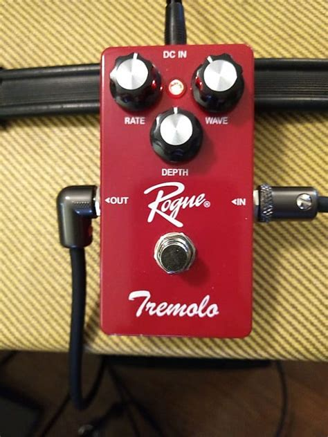 rogue guitar tremolo pedal effects reverb