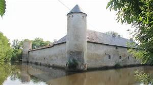 Weisse Burg Friesheim Wasserburg Zu Verkaufen