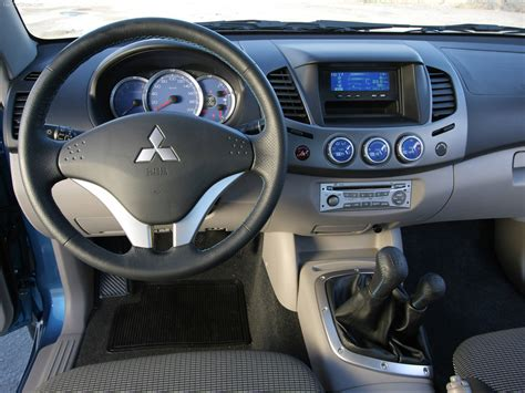 Mitsubishi L200 Double Cab picture # 17 of 19, Interior ...