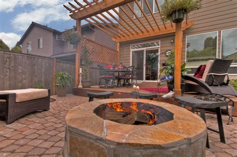 pit water feature pergola paver courtyard