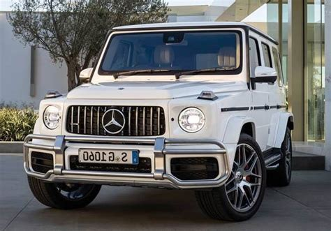 mercedes benz  class price  uae specification