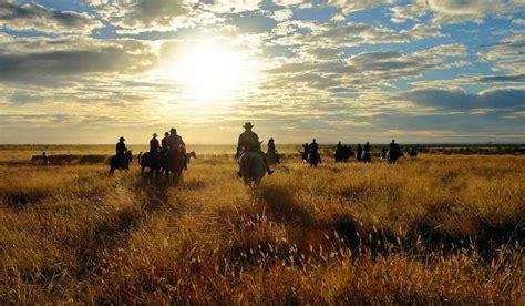 city slickers outback muster     australian traveller