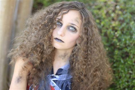 Zombie Cheerleader Halloween Hairstyles
