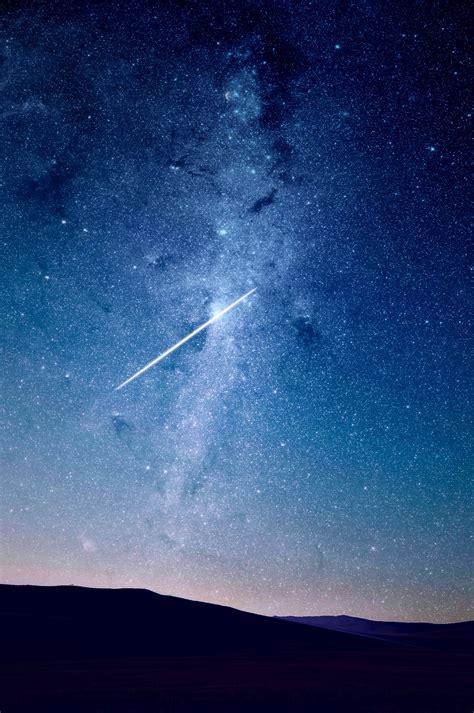 Picalls.com   Starry night sky by Juskteez Vu.