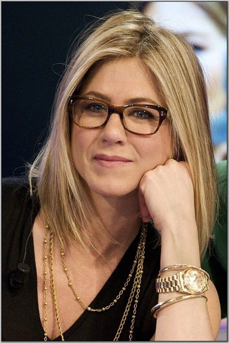 trendy hairstyles  women    glasses