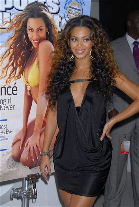 isabella santo domingo swimsuit more pics of beyonce knowles little black dress 22 of 35