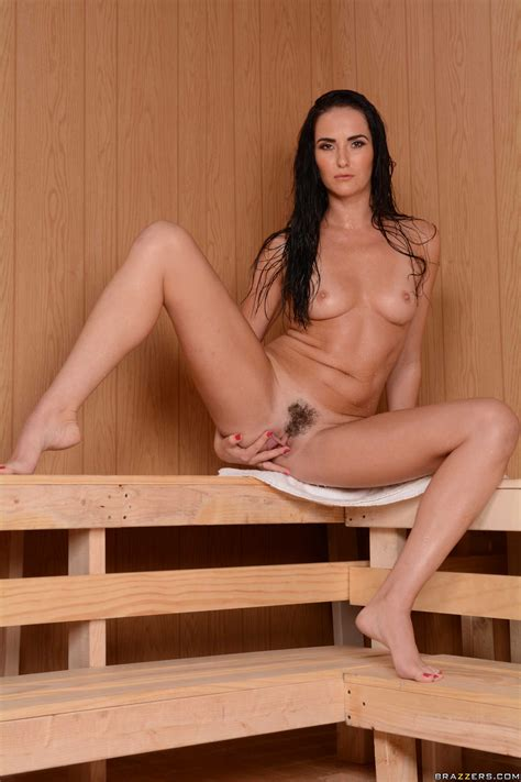 Bianca Breeze Gets Creamed Up In The Sauna Photos Keiran