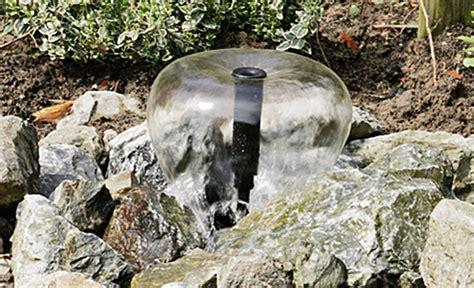 brunnen selber bauen springbrunnen bauen wasser im garten teich selbst de