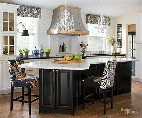 hiring a kitchen designer designing a kitchen with the help of a professional 4231