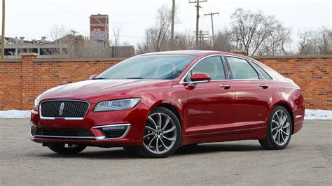 lincoln mkz review luxury style   horsepower