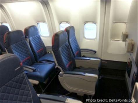 delta comfort plus delta 767 300 domestic seat review 2015 delta mileage