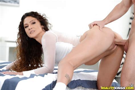 Jessica Torres Hukolau4