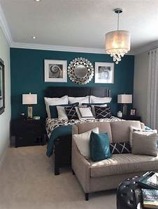 Small master bedroom decorating ideas 35 insidecoratecom for Small master bedroom ideas for decorating