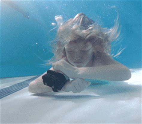 kingii  wristband emergency flotation device