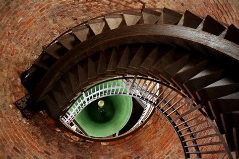 choose  winner   eye catching urban photography contest