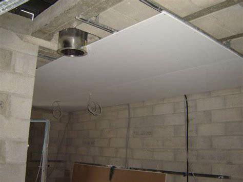 vmc dans une chambre installer une vmc dans un faux plafond que faire en cas