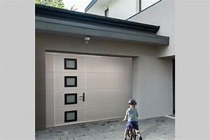 sectionnelle avec portillon dans les portes et portails With porte de garage sectionnelle avec verrou de porte