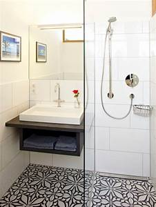 Small bathroom floor tile houzz for Small bathroom big or small tiles