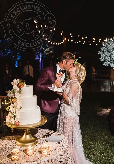 Julianne Hough and Brooks Laich's Wedding Cake Details