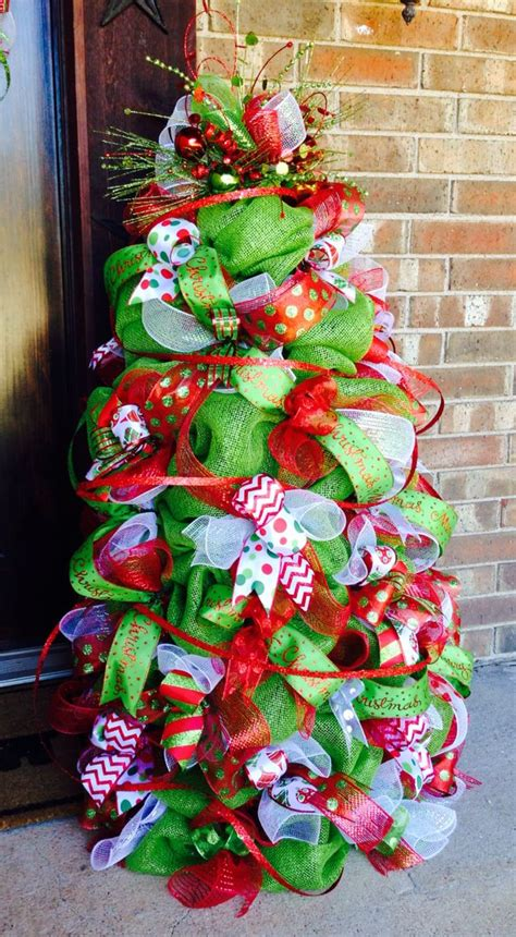 how to put deco mesh in christmas tree deco mesh christmas tree w lights deco mesh wreaths pinterest mesh christmas tree deco