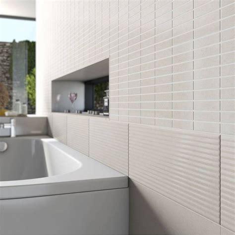 Badezimmer Mit Unterschiedlichen Fliesen by Lucia Ripple Texture Ceramic Wall Tile 20cm X 50cm My