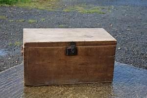 Malle En Bois : caisse en bois malle coffre la petite brocanteuse ~ Melissatoandfro.com Idées de Décoration