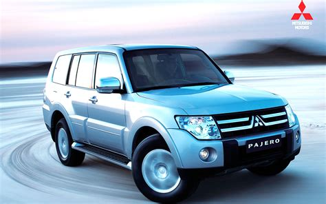 Mitsubishi Backgrounds by Mitsubishi Pajero Wallpapers And Car Specifications
