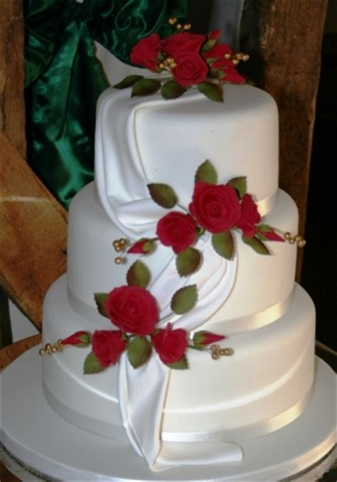 melanie ferris cakes news wedding cake  red roses