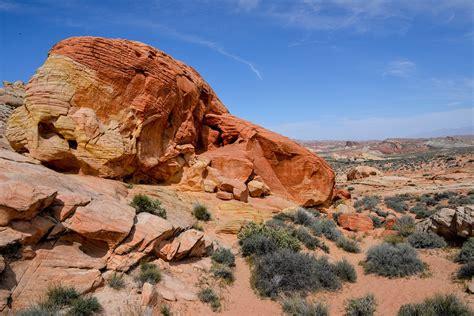 desert mountain landscape  photo  pixabay