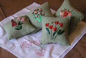 Decorazioni in rilievo sui cuscini