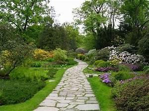 Une Alle De Jardin En Pierres Elle Dcoration