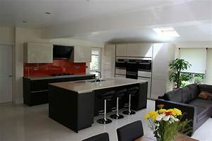 cuisine blanche mur gris 10 cuisine ouverte sur salon With cuisine blanche mur gris