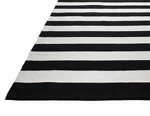 Tapis Intérieur Extérieur : tapis int rieur ext rieur nantucket noir et blanc 90 x 60 cm ~ Teatrodelosmanantiales.com Idées de Décoration