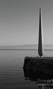 Fid Monument Donegal Photograph by Eddie Barron